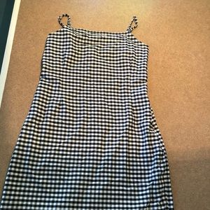 gingham spaghetti strap fitted dress!